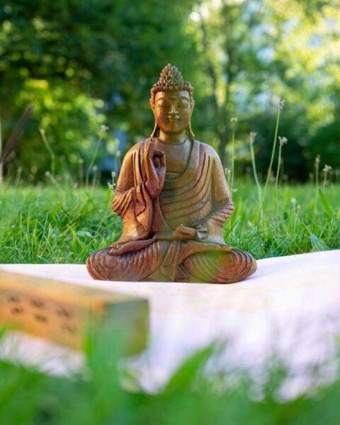 Vyřezávaný Budha z Bali
